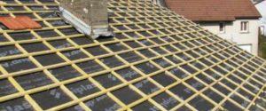 nieuwe dakpannen leggen