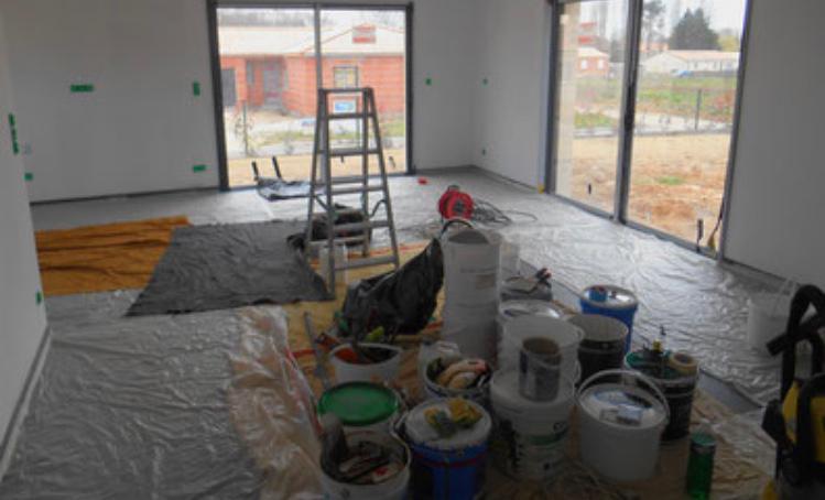 Binnen schilderen in huis